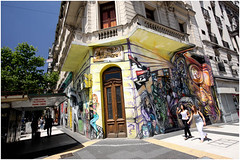 Argentina Travel Photography: Buenos Aires.001 by Hans Hendriksen (Hans Hendriksen Travel Photography) Tags: pictures life voyage street city travel viaje patagonia house art argentina painting photography graffiti photo foto photos buenos aires streetlife images fotografia viaggio bilder 2010 fotografias argentini argentinien reisefotografie patagonien patagoni reisefotos reisebilder largentine reisfotografie reisfotos reisfoto viagns