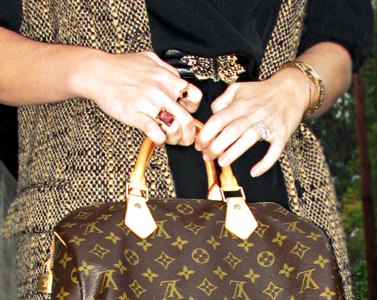 vintage gold rings+louis vuitton speedy+tweed