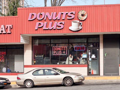 Donuts Plus storefront
