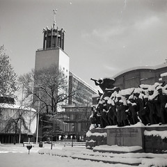 Civic Centre (boscoppa) Tags: uk england bw snow 120 6x6 film zeiss newcastle memorial war tyne civiccentre ikon ilford fp4 upon tyneandwear nettar