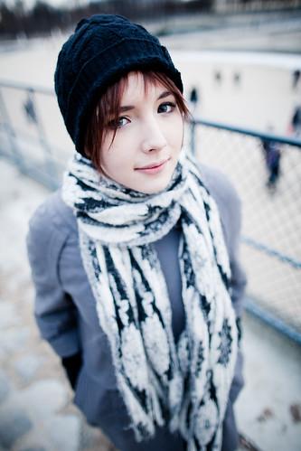 [フリー画像] 人物, 女性, 帽子・キャップ, フランス人, 201101021500