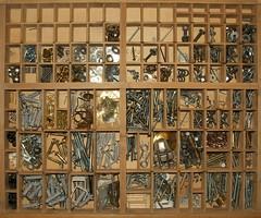 DRAWERS 8 (Renato Morselli) Tags: dadi drawers ferramenta viti chiodi tasselli rondelle bulloni cassetti cavicchie attaccaglie