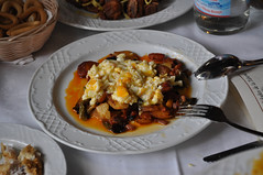 Revuelto de pimientos, chorizo y patatas