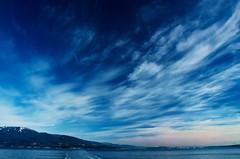 [フリー画像] 自然・風景, 空, 雲, ブルー, 201101141300