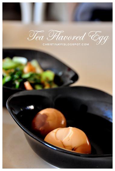 Tea Eggs / Chinese Tea Leaf Eggs / Tea Flavored Eggs (茶叶蛋)