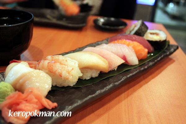 Standing Sushi Bar @ 8QSAM