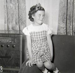 R28 Hilda Smith, baby photos, Lea Bridge Road, June 1952 (RA Gibson's Studio 1952-1978) Tags: gibson hackney 1952 hildasmith leabridgeroad portraits 1950s baby radiogram ragibsonstudio