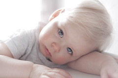 (SollaMatt) Tags: baby beautiful cutebaby photgraphy slensk ljsmyndun augun blaugu onebaby saklaus icelandicbaby sollamatt alonebaby