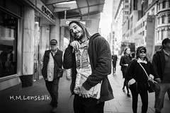 L1155704 (H.M.Lentalk) Tags: summilux summiluxm 28mm 28 f14 14 114 11428 oz aussie australia australian street sydney black white people urban life city asph leica m m9 typ220 leica220 m220