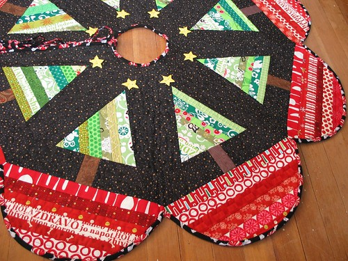 300511 black - starry night treeskirt complete- by Poppyprint