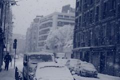 IMG_6473 (pellegrini_paris20) Tags: snowflake schnee white snow paris canon eos flake neige weiss blanc ville flocons flocon itsnows flocke flocken schneeflocke schneit flocondeneige souslaneige esschneit floconsdeneige ilneige 1000d
