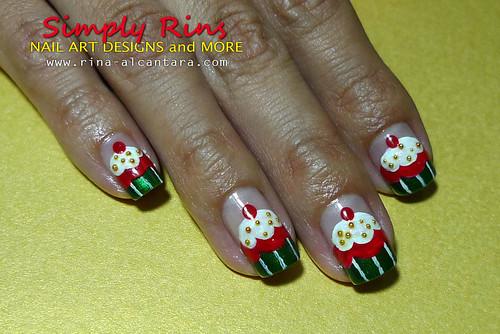 Christmas Nail Art Cupcakes 02