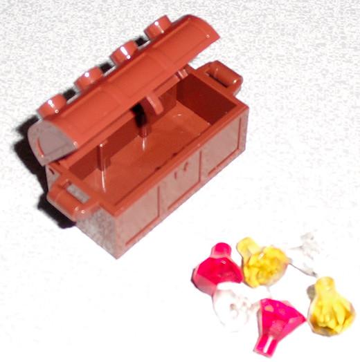 LEGO-Advent-12-09-ChestLEGO 7952 Kingdoms Advent Calendar – Day 9