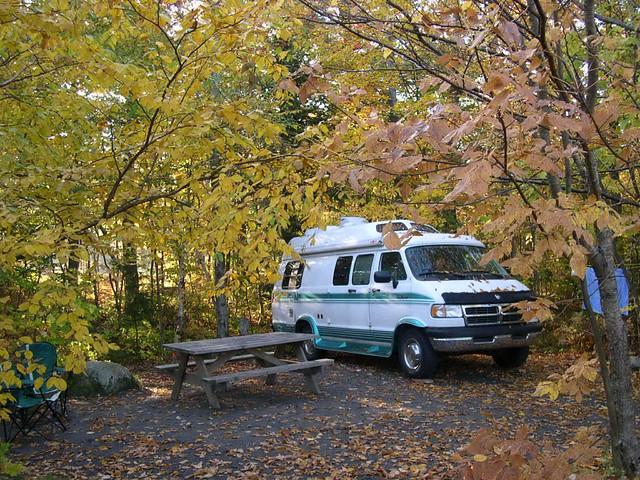 camping automne lacfraser lacstukely dodgeram350 féériedescouleurs lharmonieaveclanature
