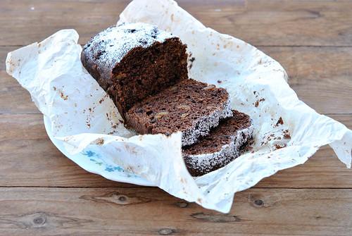 2.Cake al cioccolato con prugne, fichi e rum
