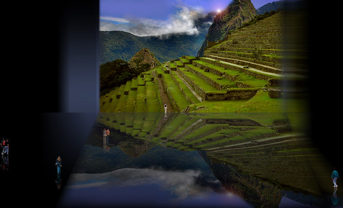 "Peldaños y Espejos • <a style=""font-size:0.8em;"" href=""http://www.flickr.com/photos/30735181@N00/5261741497/"" target=""_blank"">View on Flickr</a>"