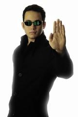 [フリー画像] 人物, 男性, コスプレ, マトリックス, 201012191300