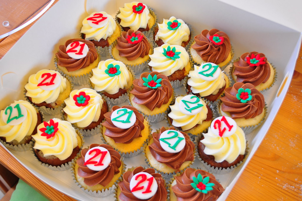 Mexican themed 21st cupcakes