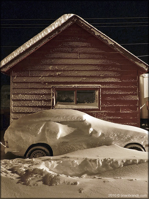 P1130361_car_under_snow
