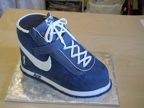 Queen of Cakes 3D high top shoe cake