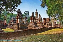 Wat Chedi Ched Thaew (AsiaFood1) Tags: temple thai wat sukhothai chedi sisatchanalai lotusbud watchedichedthaeo