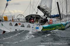Central Lechera Asturiana dando caza a la flota en la salida de la Barcelona World Race 2010-2011