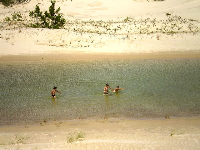Meninos nas dunas