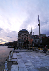 Moschea Bezmi Alem Valid Sultan (lultimavoltache) Tags: turkey istanbul sultan moschea turchia valid alem bezmi