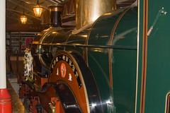 Boxing Day in Windsor & Eton (sjr60) Tags: england train model unitedkingdom shoppingcentre windsor berkshire sr gbr windsorroyalshopping
