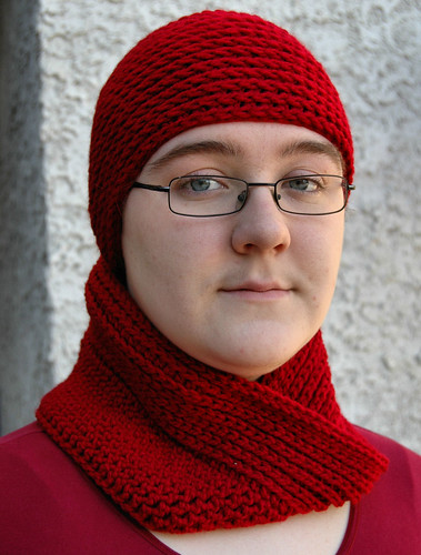 Hat and Moebius cowl set