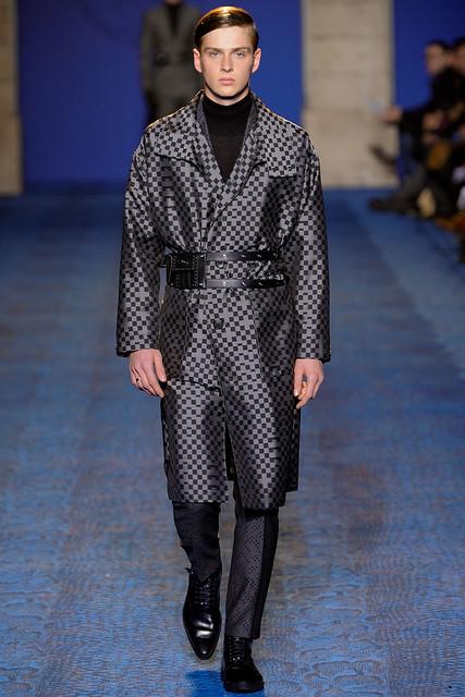 FW11_Milan_Versace036_Lucas Mascarini(VOGUEcom)