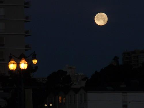 Embarcadero Moon 02