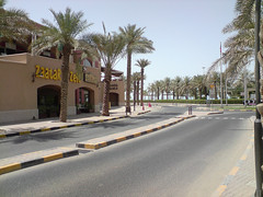 KUWAIT_MARINA CRESENT (husainbourisly) Tags: marina mall asia gulf kuwait salmiya cresent resturants