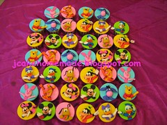 Mickey Mouse Clubhouse and Winne the Pooh cupcakes (Jcakehomemade) Tags: goofy cupcakes mickey donald daisy pluto minnie tigger piglet eeyore cartooncharactercupcakes disneycupcakes kidcupcakes winniethepoohcupcakes jcakehomemade mickeymouseclubhousecupcakes