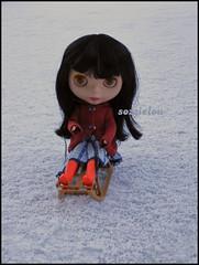 063/365 Weeeeeeeeeeeeeee (sozzielou) Tags: uk blue winter orange snow cold ice eyes doll ride hill fringe down freeze blythe brunette bangs goldie takara allgoldinone edna slope matte sledge bl 365blythe