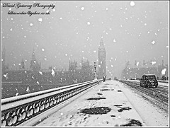 London Snow (david gutierrez [ www.davidgutierrez.co.uk ]) Tags: christmas winter urban white snow storm london westminster cityscape taxi nieve housesofparliament bigben  2010      saariysqualitypictures