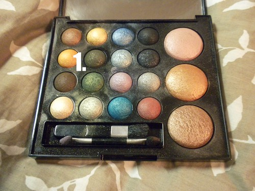 quo holiday palette