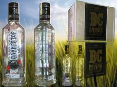 Vodka Cá Sấu là rượu Vodka Nga đầu tiên có nồng độ 30%, được nghiên cứu và sản xuất riêng cho thị trường Châu Á. Vodka Cá Sấu có hương thơm ngọt ngào, vị đậm đà, êm dịu và dễ uống. Vodka Cá Sấu được sản xuất từ lúa mạch, được lọc bằng lưới bạc đặc biệt và by kindlyman_vn