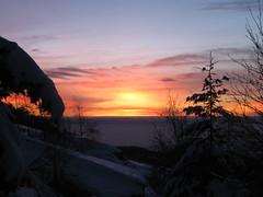 Alba del 29/12/2010 (St Dikae) Tags: christmas wood light shadow sun mountain snow clouds sunrise way nuvole alba ombra piemonte neve sole sentiero pino abete natale montagna strade luce raggi legno vetta bastone bivio ciaspole