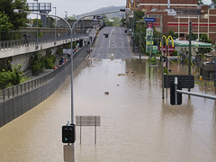 Milton Rd - Brisbane Floods (Erik K Veland) Tags: city water flood january australia brisbane qld floods 2011 olympuszuikodigital40150mmf3545 qldfloods bnefloods