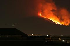 Etna in eruzione 12 gennaio 2011 - foto 2 (luigimarino) Tags: lava etna eruzione valledelbove colatalavica luigimarino 12gennaio2011