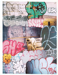 THROW UPS (D1NYC) Tags: duel ris pe peek vic sp spone dek fya veza visa qv qvris bruz brews to ket mtk stress quik rtw oe tmd old english oe3 sach sh ne min ea demo tpa se3 haze ice iceman lsd gh ghost six pack 6pack duela duelo dueler vandals vandal vandalism throw ups graff graffiti trains transit mta nyc ny subway sloan logo stations
