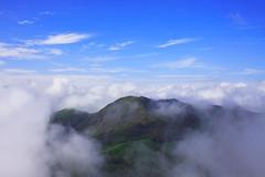Eravikulam (dpk.) Tags: blue sky india mist deepak kerala greenhills munnar dpk tahr eravikulam nilgiritahr mistyhills eravikulamnationalpark deepakab discoverplanetinternational