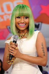 Nicki-Minaj-Mid-Length-green-Bob