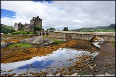 Eilean Donan #1 (nabilishes [on and off]) Tags: greatbritain castle architecture scotland edinburgh unitedkingdom highland dri eileandonan schottland eileandonancastle 3xp grosbritannien nabilishes