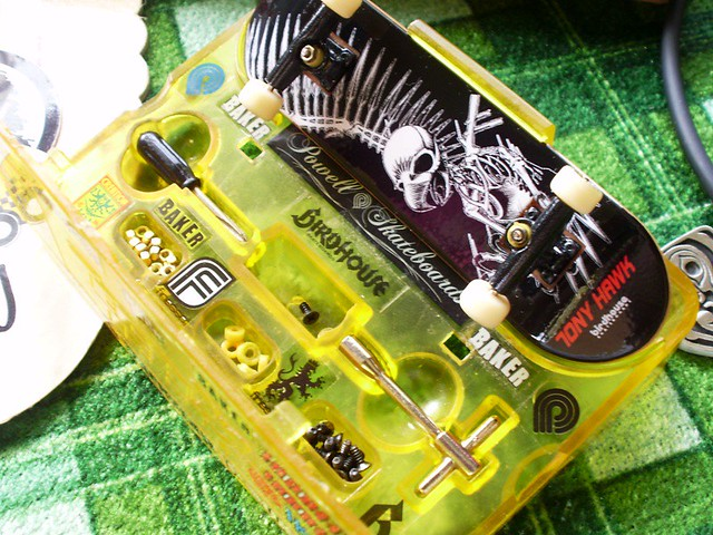 post your fingerboard case/box - Page 7 5383577386_b4e6eed292_z