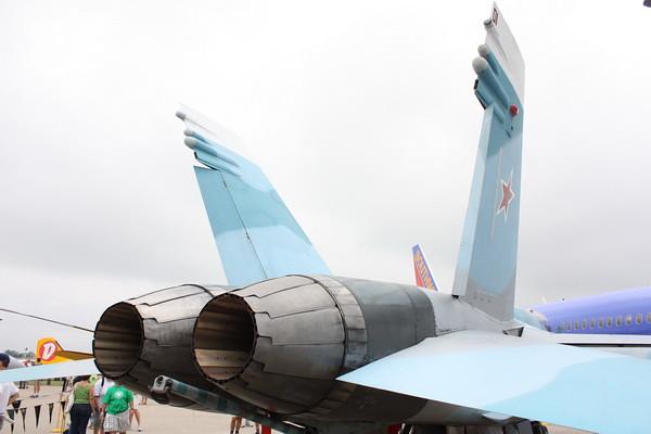 EAA10_FA-18C_084