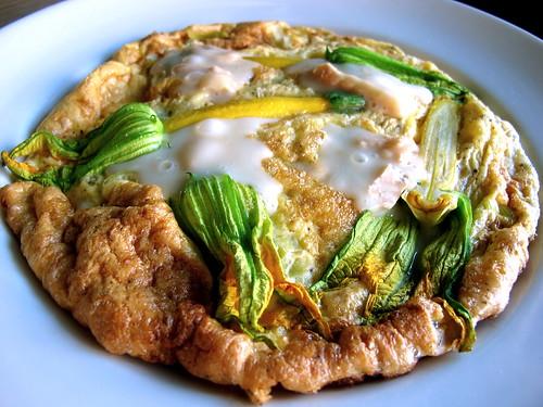 Leek, zucchini and taleggio omelette