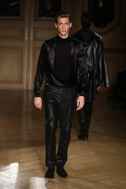 Clement Soulas3084_FW09_Paris_Francisco Van Benthum_HQ(frillr via faget@Bellazon)