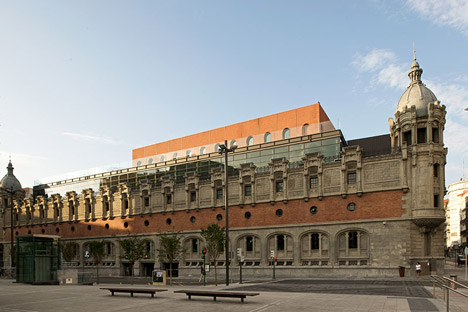 Alhóndiga Bilbao, Alberga el Restaurante Yandiola